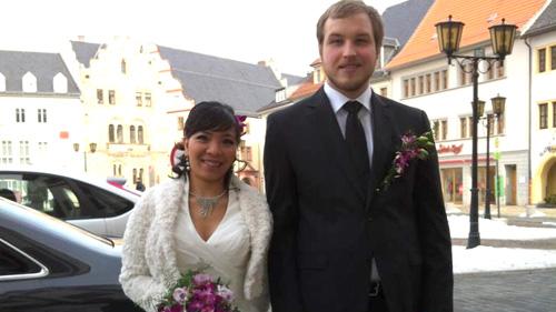 Thủ tục xin cấp thẻ tạm trú cho người Thụy Điển theo diện kết hôn